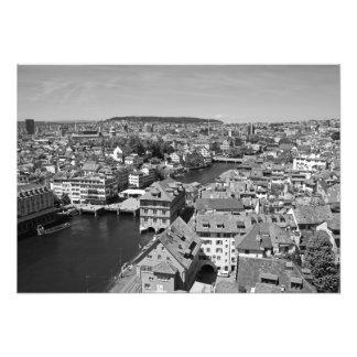 Uitzicht van Zürich van de toren van Grossmunster. Foto
