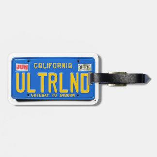 ULTRLND: De Blauwe Nummerplaat van CA 1974 Bagagelabel
