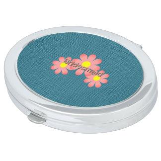 Van Bridesmaid-Blue-Coral_Flowers (c) de Make-up Spiegels