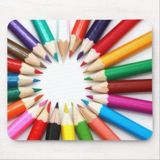 Van de de kleurpotlodenregenboog van de kunstenaar muismatten