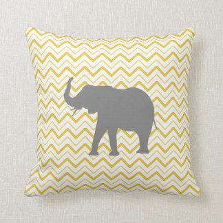 Van de de olifants het gele zigzag van de chevron sierkussen
