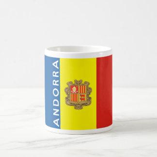 van de het landvlag van Andorra de tekstnaam Koffiemok