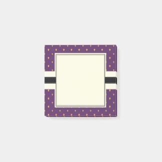 Van het het patroon het paarse fruit van de post-it® notes