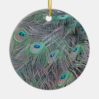 veren van een peacock. rond keramisch ornament
