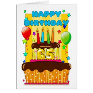 verjaardags cake met kaarsen - gelukkige 65ste kaarten
