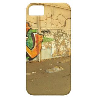 Verlaten Graffiti Barely There iPhone 5 Hoesje