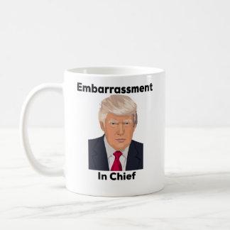 Verlegenheid in de Belangrijkste Grappige Gift van Koffiemok