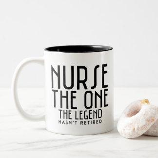 Verpleegster de legende tweekleurige koffiemok