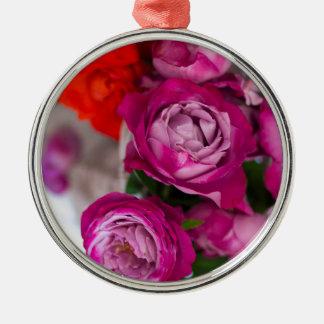 verse rozen zilverkleurig rond ornament