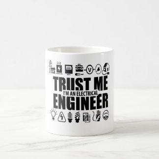 Vertrouw op me, ben ik een elektroingenieur koffiemok