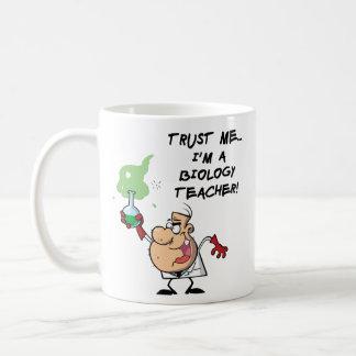 Vertrouw op me… Ik ben een Leraar van de Biologie Koffiemok