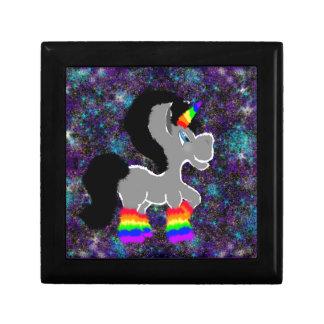 Verwarde regenboog ruimteeenhoorn decoratiedoosje