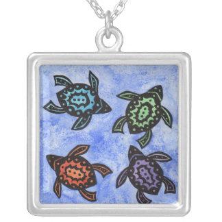 Vier Abstracte Zwarte Schildpadden Gekleurde Zilver Vergulden Ketting
