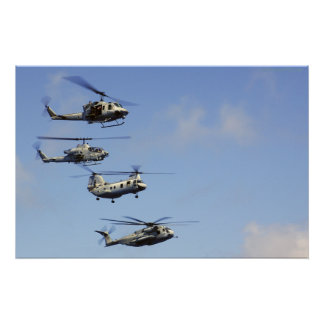 Vier Helikopters Poster