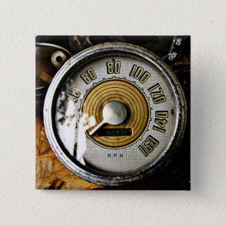 Vintage automobiele snelheidsmaat vierkante button 5,1 cm