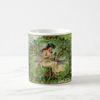 Vintage illustratie van snoepje weinig koffiemok