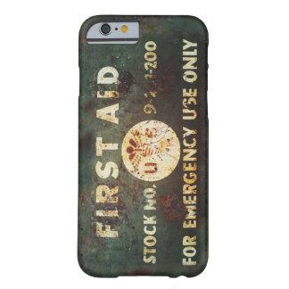 Vintage iPhone 6 van de Eerste hulp van WO.II Barely There iPhone 6 Case