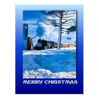 Vintage Kerstmis, die door de sneeuw stomen Briefkaart
