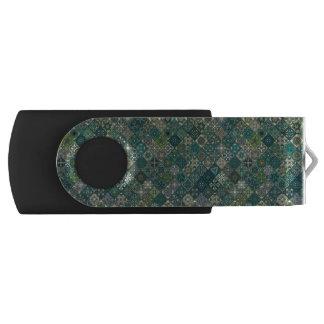 Vintage lapwerk met bloemenmandalaelementen swivel USB 2.0 stick