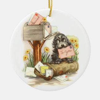 Vintage Ruwharig puppy met post Rond Keramisch Ornament