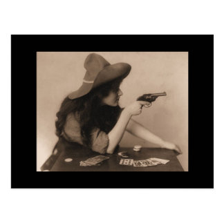 Vintage veedrijfster met pistoolbriefkaart briefkaart