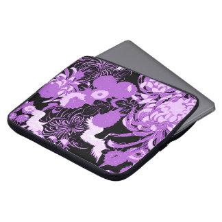 Vintage zwarte en paarse bloemen en vogels laptop sleeve