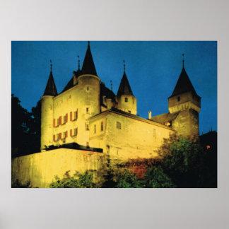 Vintage Zwitserland, Nyon, middeleeuws kasteel Poster