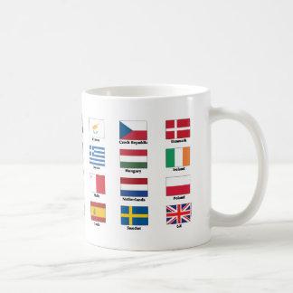 Vlaggen van 28 naties van de EU van de Europese Koffiemok