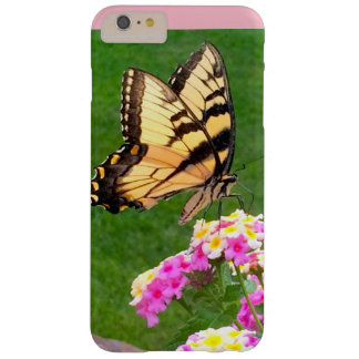 Vlinder in Roze Barely There iPhone 6 Plus Hoesje