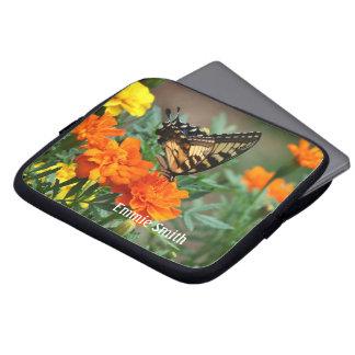 Vlinder op Oranje en Gele Laptop Slee van Bloemen Computer Sleeve