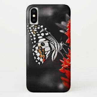Vlinder op Rode Bloemen iPhone X Hoesje
