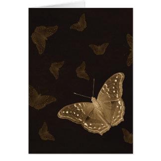 Vlinders in de donkere verticale kaart
