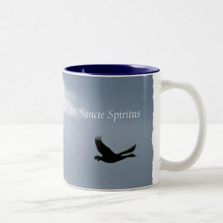 Vlucht van de Wilde Ganzen - Gekomen Heilige Geest Tweekleurige Koffiemok