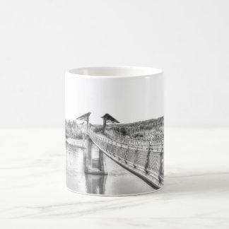 Voetgangersbrug over de Rivier Noord- van Koffiemok
