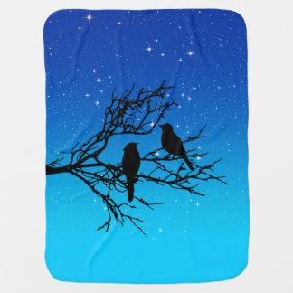 Vogels op een Tak, Zwart tegen het Blauw van de Inbakerdoek