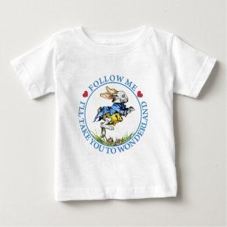 Volg me. Ik zal u aan Sprookjesland nemen! Baby T Shirts