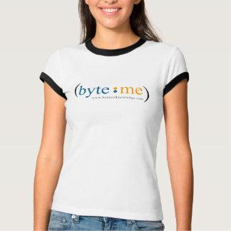 Voor byte me, achter bok logo t shirt