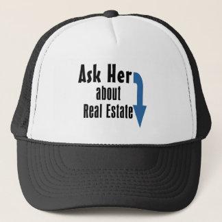 Vraag haar over Onroerende goederen! Trucker Pet