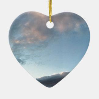 Vrede in het midden van een storm keramisch hart ornament