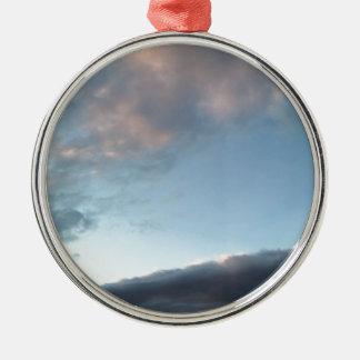 Vrede in het midden van een storm zilverkleurig rond ornament