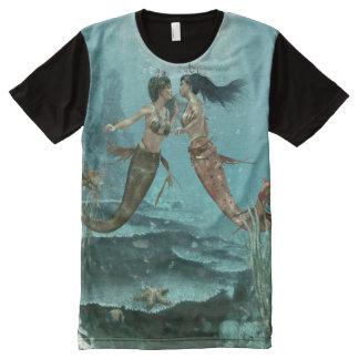 Vriendschappelijke Meerminnen helemaal over de Volledig Bedrukte T-shirts