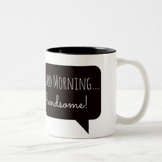 """Vriendschappelijke Mokken: """"Knappe goedemorgen, """" Tweekleurige Koffiemok"""
