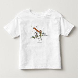 Vrouw die een astronomietelescoop gebruiken kinder shirts