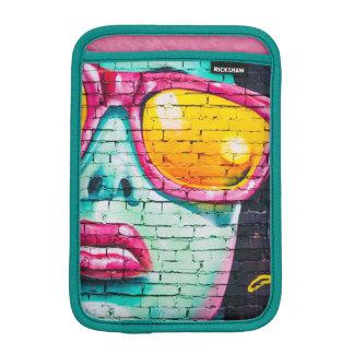 Vrouw in het Hoesje van Graffiti Ipad van de Kunst