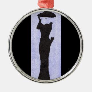 Vrouw in Zwarte Zilverkleurig Rond Ornament