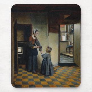 Vrouw met een Kind in een Voorraadkast Muismat