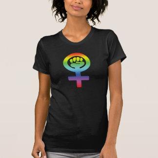 Vuist van de Regenboog van de Macht van de vrouw T Shirt