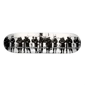 W.M. Het Dek van het skateboard - Uitgave Policia