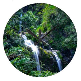 Waterval in Maui Hawaï Grote Klok