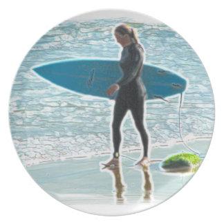 Weinig Meisje Surfer Bord